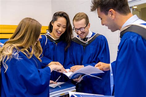 Graduation, Documents and Convocation - Curriculum