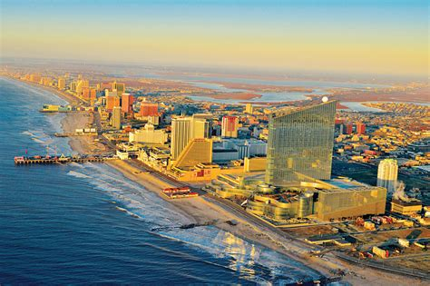 Guide to Atlantic City, NJ, including casinos, hotels and