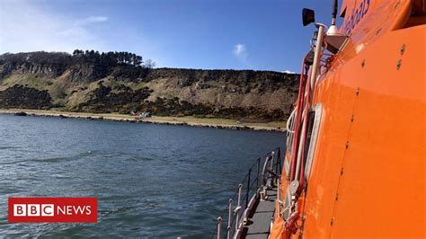 Walker rescued after Highland cliff fall - BBC News